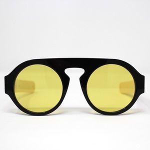 Gucci GG0256S Unisex Sunglasses - Yellow Lens